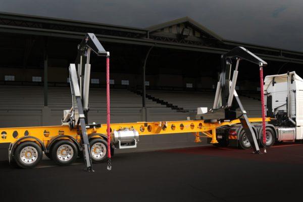 dual-carriage-dagger-leg-3